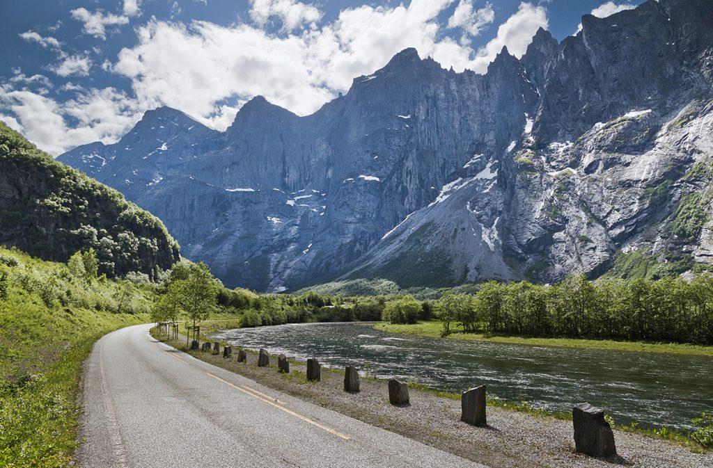 Lanskap fra Romsdal, fjell i Romsdal, Rauma, Rauma garn